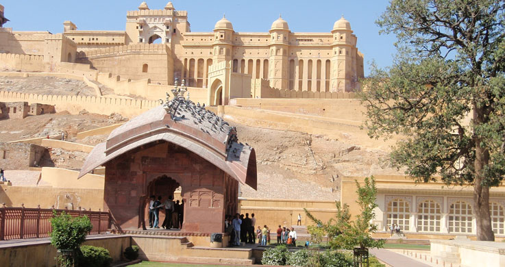 amber fort with Rajasthan Forts And Palaces Tour Packages