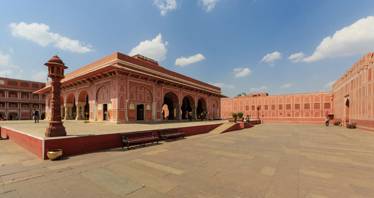 city palace jaipur with Rajasthan Forts And Palaces Tour Packages