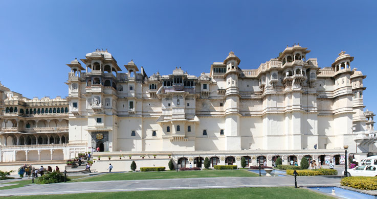 city palace udaipur with Rajasthan Forts And Palaces Tour