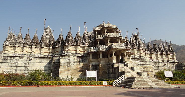 ranakpur jain temple with Rajasthan Forts And Palaces Tour Packages