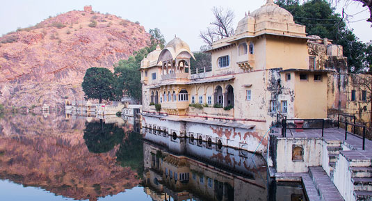 bundi fort with Rajasthan Tour Packages