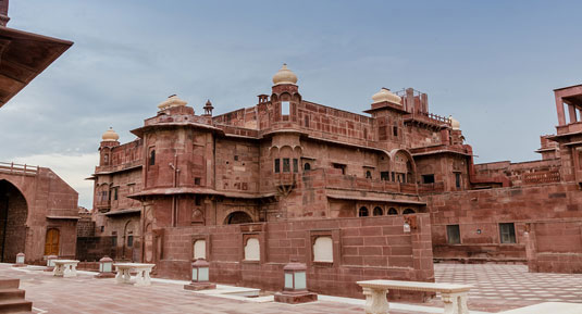 pokaran fort with Rajasthan Forts And Palaces Tour Packages