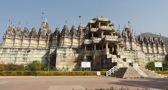 ranakpur jain temple with Taj And Royal Rajasthan Tour Packages