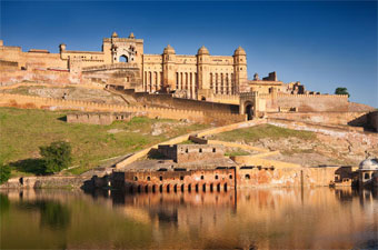 Amber Fort and Palace tourist attractions in Jaipur