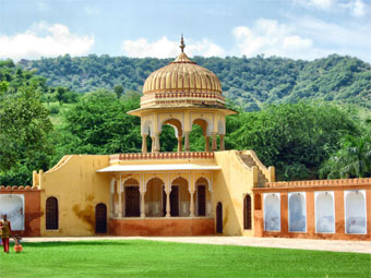 Kanak Vrindavan garden is a hot tourist attraction in the jaipur City