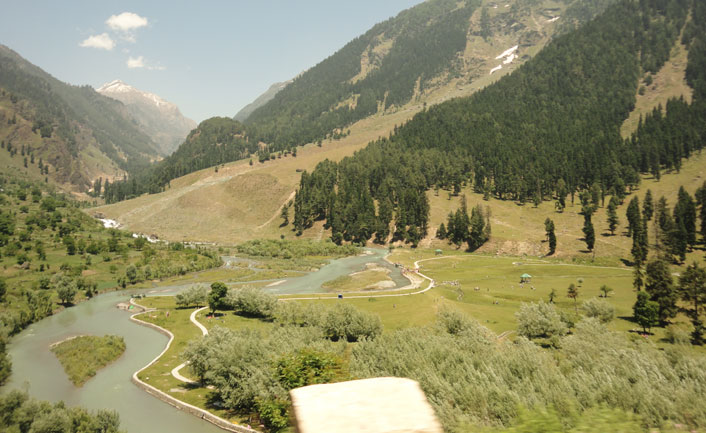 Betaab valley in shrinagar