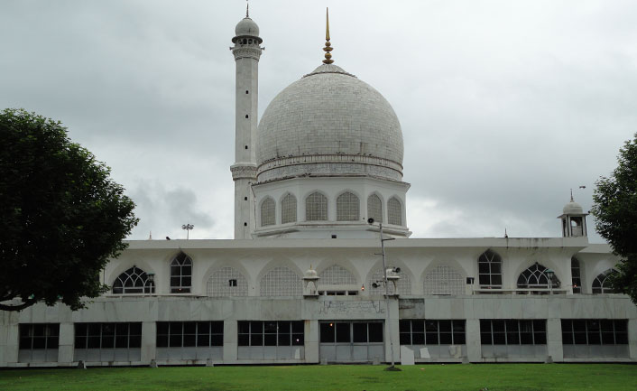 Hazratbal Mosque - a sacred Muslim shrine
