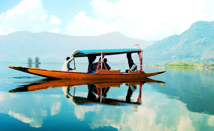 Dal Lake - the Jewel in the crown of Kashmir