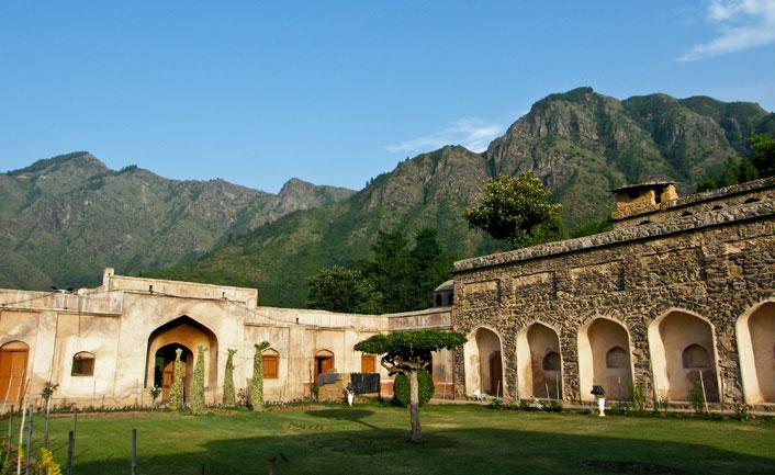 Pari Mahal – The Adobe of Fairies in shrinagar