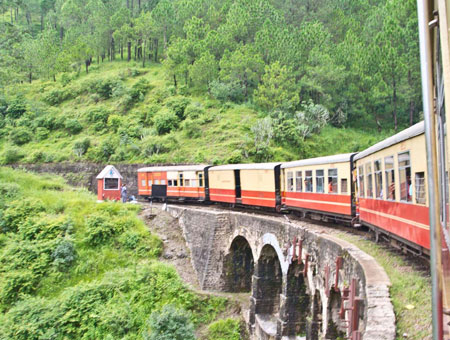 ride on the toy train in shimla