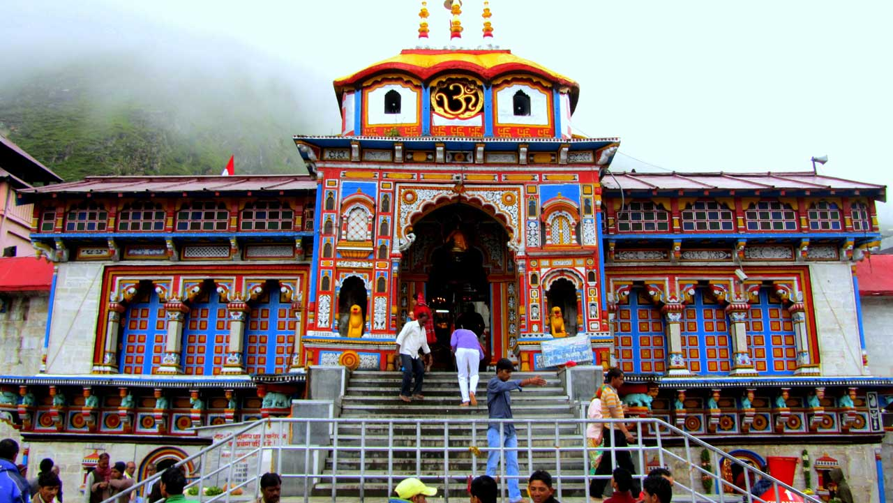 Badrinath in pilgrimage holiday destinations in india