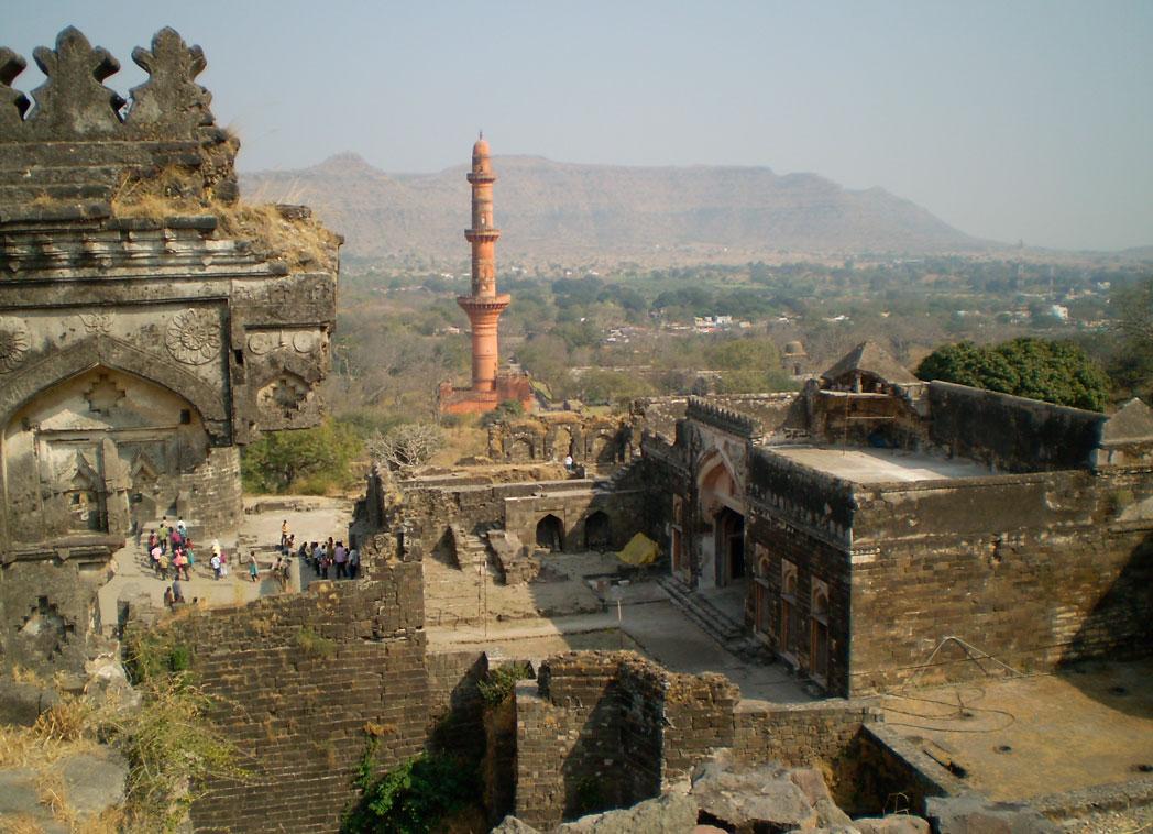 Daulatabad Fort - a popular fort in aurangabad