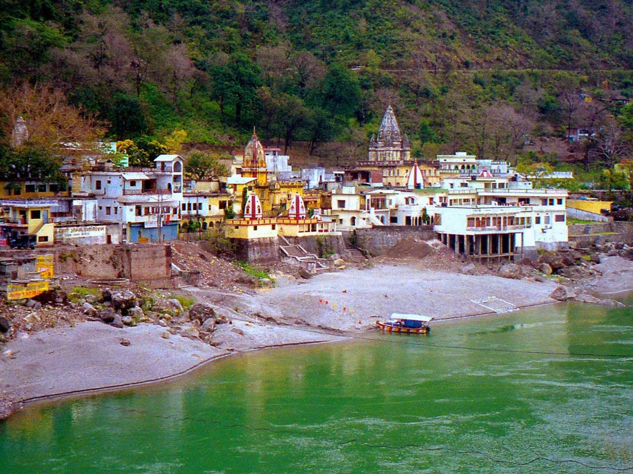 Rishikesh pilgrimage holiday destinations in india