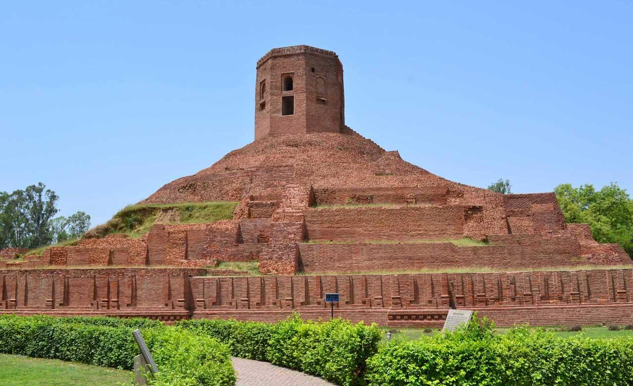 Ashok pillar in Sarnath - most holiday destinations In India