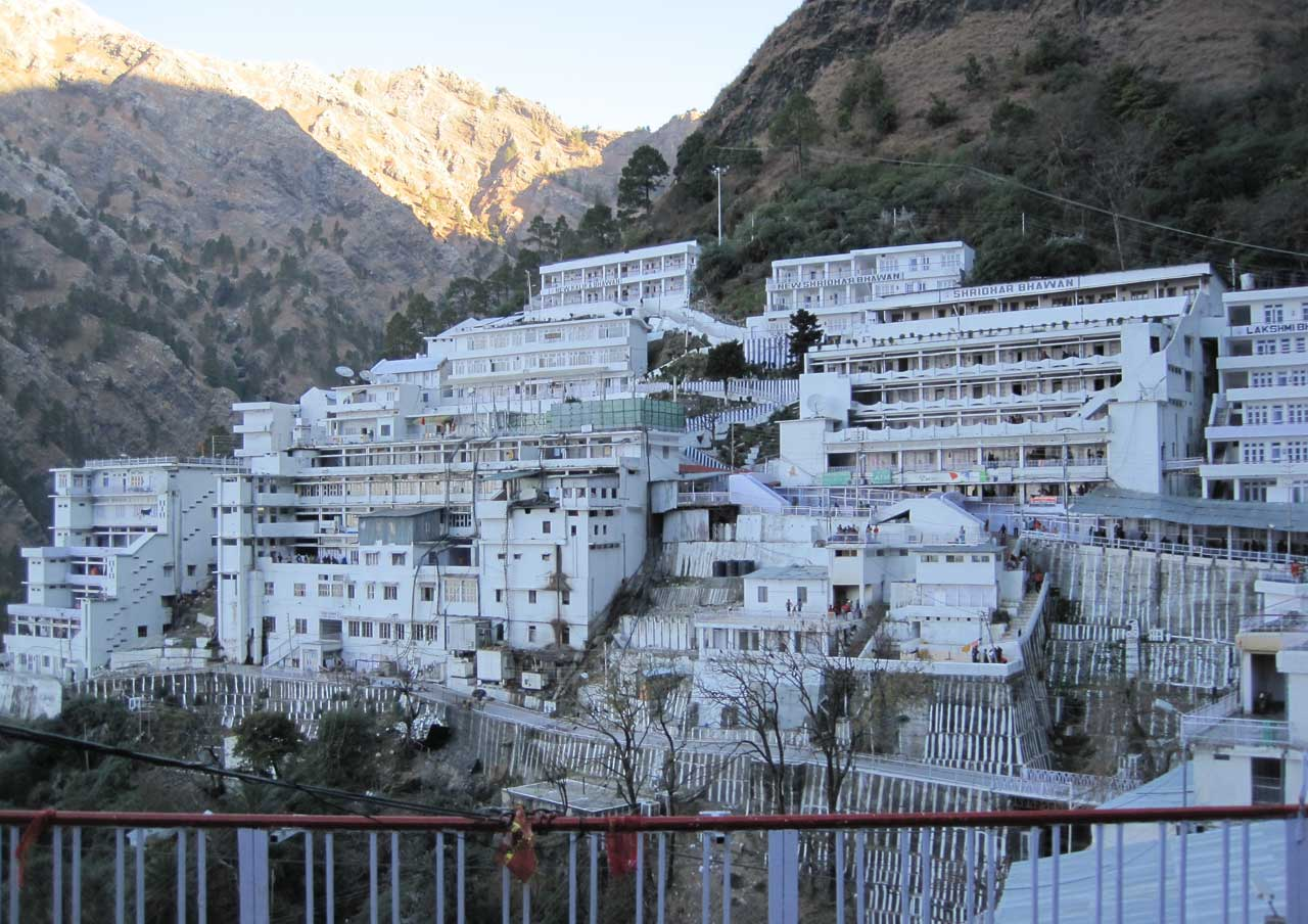 Vaishno Devi in Jammu-Kashmir with pilgrimage holiday destinations in india