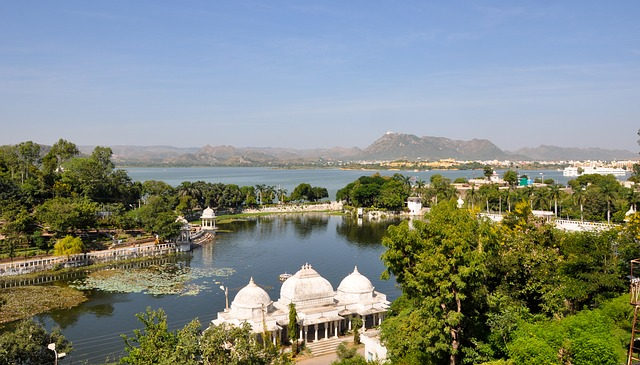 Udaipur - Lake