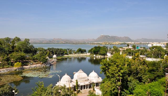 Udaipur - Lake