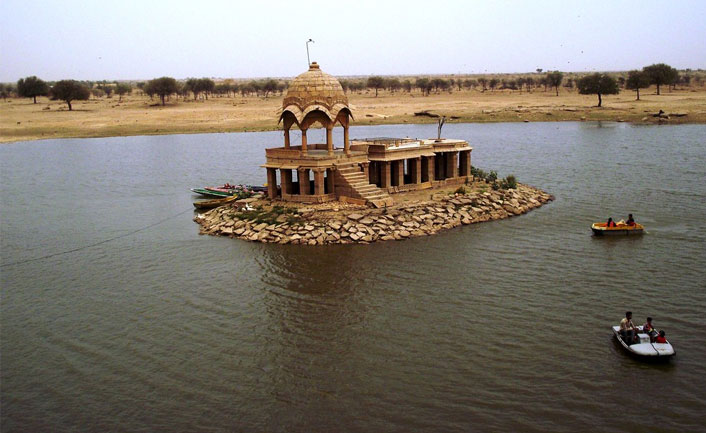 Boating-at-Gadisar-Lake